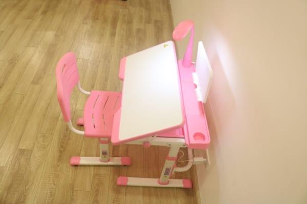 Bàn ghế chống gù cho trẻ em