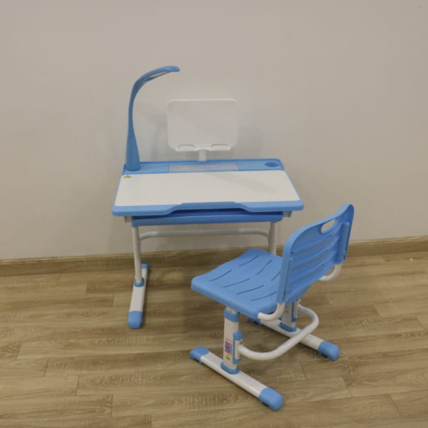 Bàn ghế chống cận thị