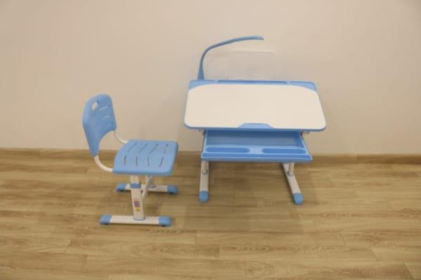 bàn ghế chống gù lưng