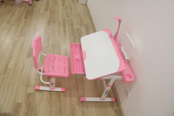 Bàn ghế a7plus hồng