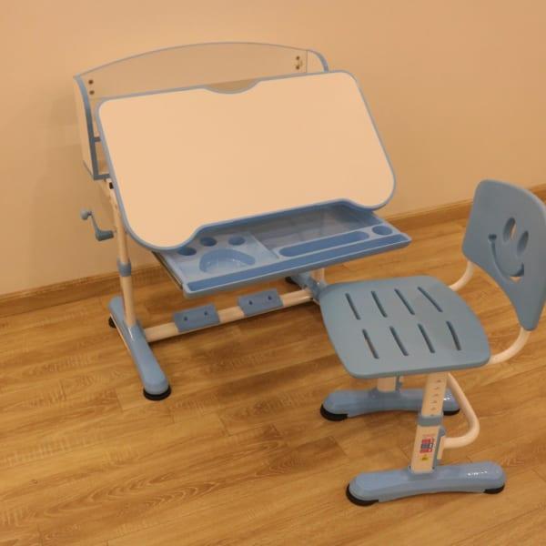 Bàn ghế chống cận chống gù cho học sinh