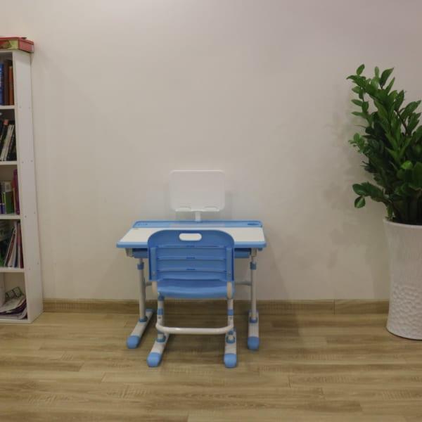 Bàn ghế chống cận cho học sinh